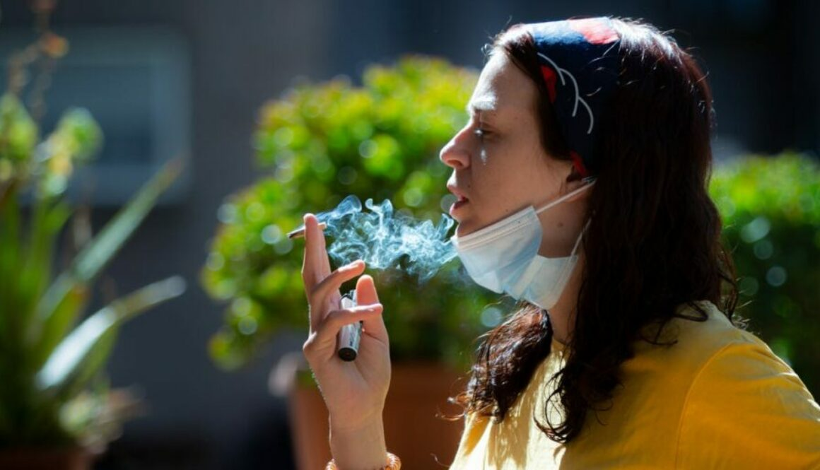 1 in 3 young adults are vulnerable to extreme coronavirus infections, a brand-new research study recommends. Cigarette smoking could be to blame.